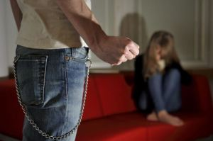 Kvinnovåld