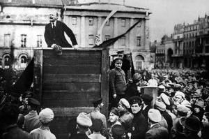 Lenin I Talarstolen